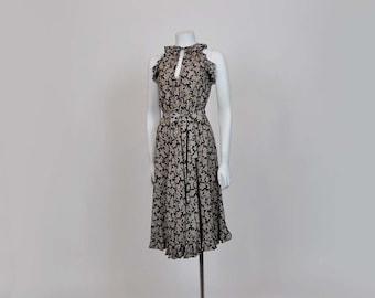 70s dress / Girlie Vintage 70s does 40's Floral Rayon Dress