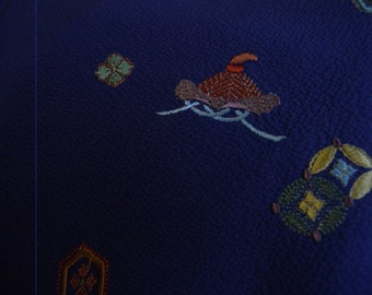 Vintage kimono S125, silk, purple, tsukesage