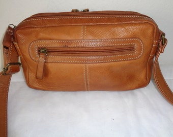 Fossil  camera bag, buttery soft camel tan leather small messenger bag,satchel ,cross body bag ,organizer  vintage near mint