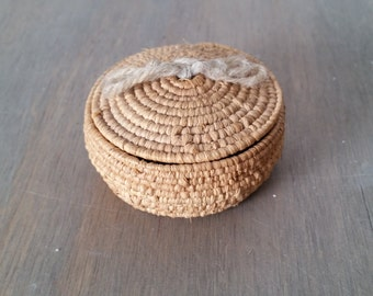 Vintage Small Native Basket Tightly Woven with Lid, Miniature Native American Souvenir Lidded Basket