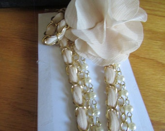 Double flower ribbon necklace