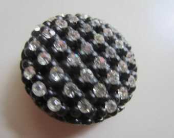 Vintage Button -  beautiful lot of 1, Rays design rhinestones extra large, celluloid (feb 48)