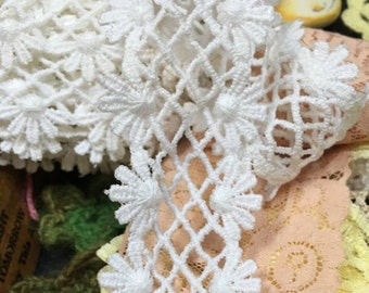 Vintage lace shabby white  daisy lattice  edging flower floral sewing supply embellishment