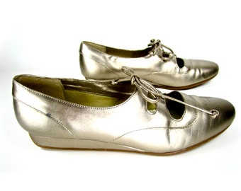 vintage 1980s GOLD leather lace up OXFORD wedges AWESOME club kid womens 7 1/2 8 golden girls hipster liza sporty spice