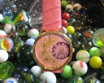 Women's Watch,  Pink Wrist Watch with Queen Anne Lace,Pressed Flower Watch,Dried Flower Watch,Watch for Women,Woman Watch,Queen Anne Lace