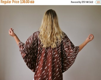 ON SALE 1970s Ombre Dash Butterfly Tunic >>> Size Extra Small to Medium