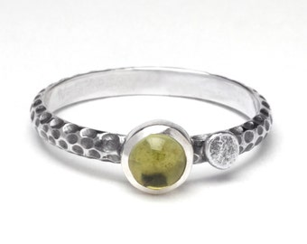 Peridot and pebble stack ring