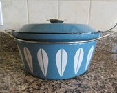 Large blue and white Catherineholm pot with lid and side handles and interior steamer insert- solid, beautiful, fine vintage condition