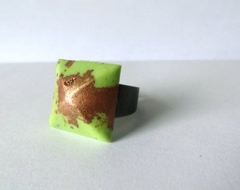 Pyramid Adjustable Resin Ring. Avocado and Copper