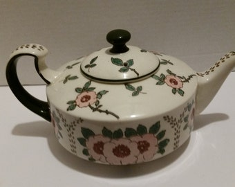 Royal Doulton D3060 teapot