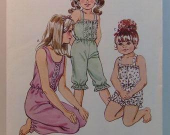 Vintage KWIK SEW Pattern 1257 Girl's Pajamas Jumpsuit Size 8-14
