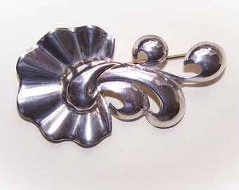Retro Modern STERLING SILVER Pin/Brooch by Monet - Stylized Floral