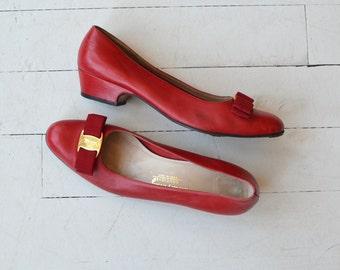 Ferragamo Vara shoes | vintage Salvatore Ferragamo shoes | red Vara skimmers 8.5