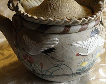 Japanese BANKO  Teapot with CRANES
