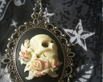 Roses and Skull Necklace