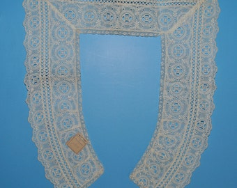 Antique Lace Collar Unused with Original Tag