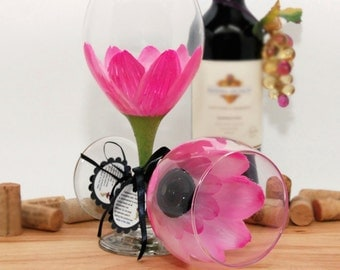 Hand painted wine glass, painted wine glass, flower wine glass, Parisian pink, pink wedding, daisy, wine goblet, unique wine glass, flower