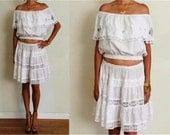 Vtg White Ethnic FESTIVAL EYELET LACE Boho Off The Shoulder Ruffle Skirt Set