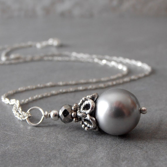 Gray Pearl Bridesmaid Necklace, Beaded Pendant, Bridal Jewelry, Silver Pearl Necklace, Grey Wedding Jewelry, Maid of Honor Gift