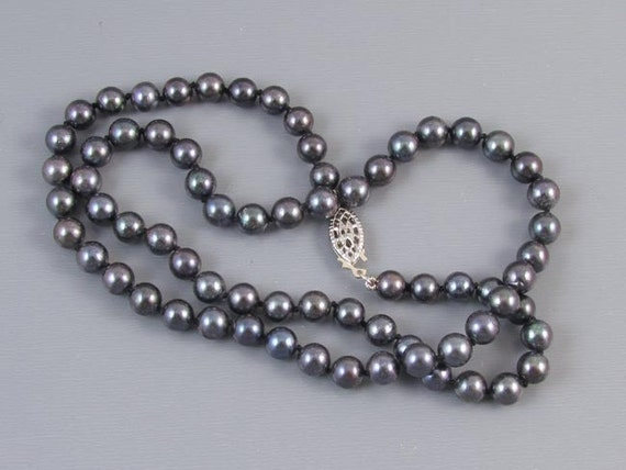 Modern estate black genuine cultured pearl and sterling silver necklace 6mm