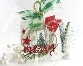 Shabby Chic Holiday Merry Christmas Art Gift Tag~Holiday gift tags~red~green~gold~Christmas Tree~jingle bell~white~arty square hang tag