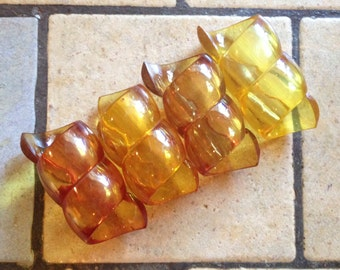 Amber Swirl Napkin Rings