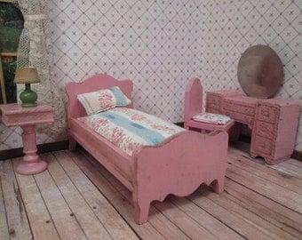 "Vintage Strombecker Dollhouse Furniture - Bedroom Set in Pink - 3/4"" Scale"