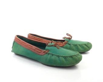 Green Loafers  Moccasins Vintage 1980s Leather Slip on Shoes Liz Claiborne women's size 9 1/2