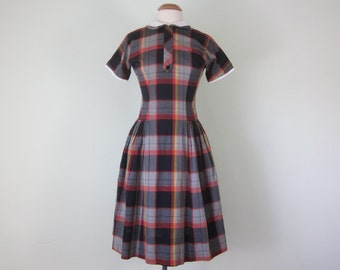 60s black & red plaid cotton short sleeve dress (xs - s)