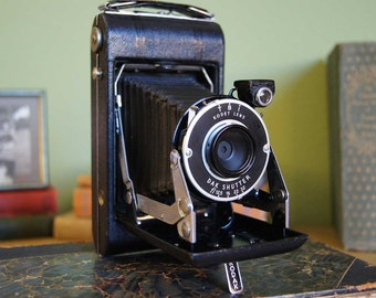 Vintage Kodak Vigilant Junior Six-20 Camera - Excellent Condition!