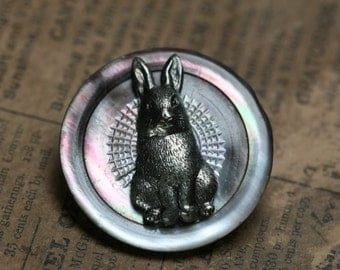 Button Brooch - Shell - Rabbit - OOAK