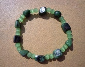 Bracelet Ruby in Zoisite Gemstones and Green Glass Beads, Elastic Cord 8.25 Inches, Ruby in Zoisite Gems, Stretch Bracelet, July Birthstone