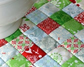 Jolly Table Quilt