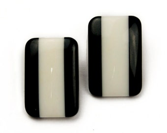 1970s Black and White Lucite Plastic Rectangle Geometric Vintage Clip On Earrings