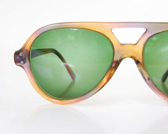 Vintage 1960s Womens Aviator Sunglasses Glasses Mottled Pink Green Hipster Chic New Wave 60s Sixties Girls Ladies Punk Rocker