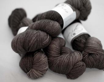 magnolia sock 'purple-grey'