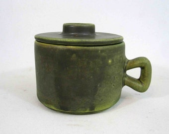 Vintage Canadian Pottery Lidded Mug in Green. Circa 1960's.