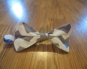 Boutique Boys Infant to toddlers Bow Tie with velco closure Matches Mommie and sister set