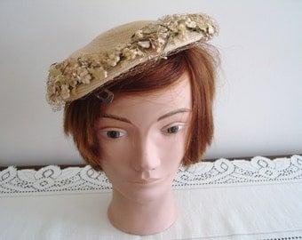 40s beige straw/netting one size women hat 40s Nadelle