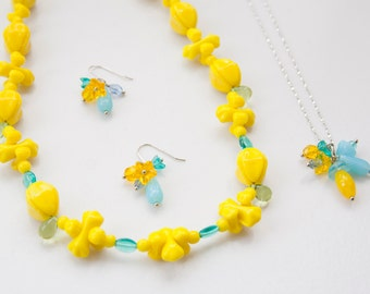 Vintage glass necklace, Yellow and Blue necklace, Swedish necklace, Silver jewelry, Lemon Yellow necklace, Aqua blue necklace, Jewelry Set