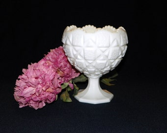 Westmoreland Milk Glass Cupped Footed Bowl In The Old Quilt Pattern, Flower Bowl Pedestal Candy Dish, Star Burst Design