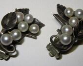 Signed MING'S Sterling Silver White Pearl Vintage Clip Earrings Leaf Cluster Hawaii Honolulu 1950s 1960s