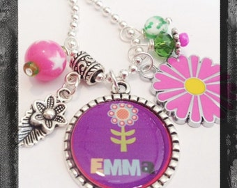 Blooming Daisy - Personalized Flower Necklace - Bezel Charm Jewelry - Cameo  #B59