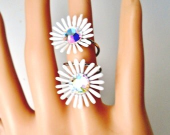 Vintage Daisy Ring Double White Lucite Flowers AB Crystal Centers Mid Century Retro Wrap Ring Summer Beach Chic Bride  Runway Statement