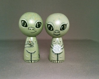 Little Green Men Martian Alien Cake Topper Kokeshi Dolls