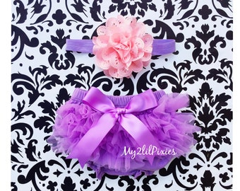 Baby BLOOMER and Baby Girl HEADBAND set. Ruffle Bum Baby BLOOMER Set, Shabby Chic, Eyelet Flower headband, Newborn Photo Prop,ready to ship