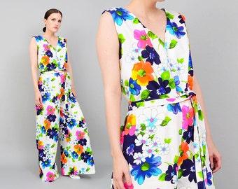 Vintage 70s White HAWAIIAN Jumpsuit Bright Floral Print Sleeveless Mod Tiki Romper 100% Cotton Medium Large M L