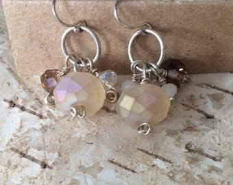Neutral cluster earrings