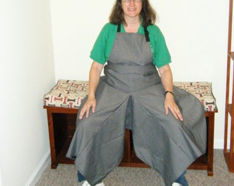 Pottery Apron with Ultimate Coverage Split Leg Panel Basic Patterned Gray