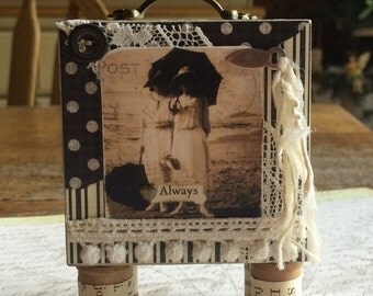 Always Friends Themed Footed Vintage Style Plaque